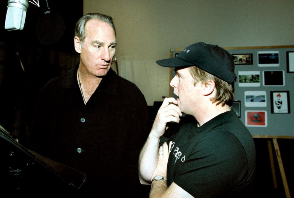 THE INCREDIBLES, Craig T. Nelson, Brad Bird directing voiceover, 2004, (c) Walt Disney