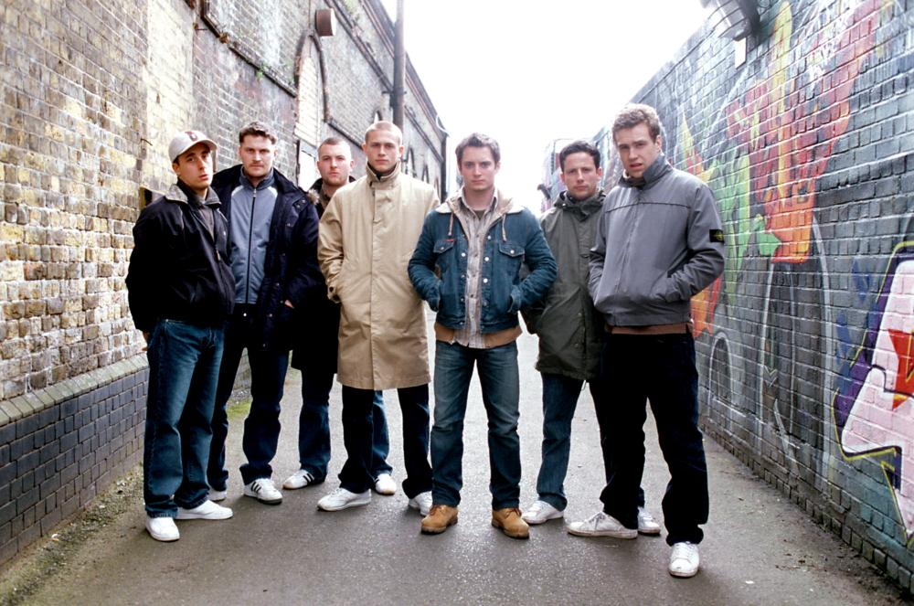 GREEN STREET HOOLIGANS, (a.k.a. HOOLIGANS), (aka GREEN STREET), Terrence Jay (far left), Kieran Bew, Charlie Hunnam (4th from left), Elijah Wood, Ross McCall, Rafe Spall, 2005, ©Freestyle Releasing