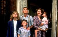 HOPE AND GLORY, Sammi Davis, David Hayman, Sebastian Rice-Edwards, Sarah Miles, Geraldine Muir, 1987, (c) Columbia