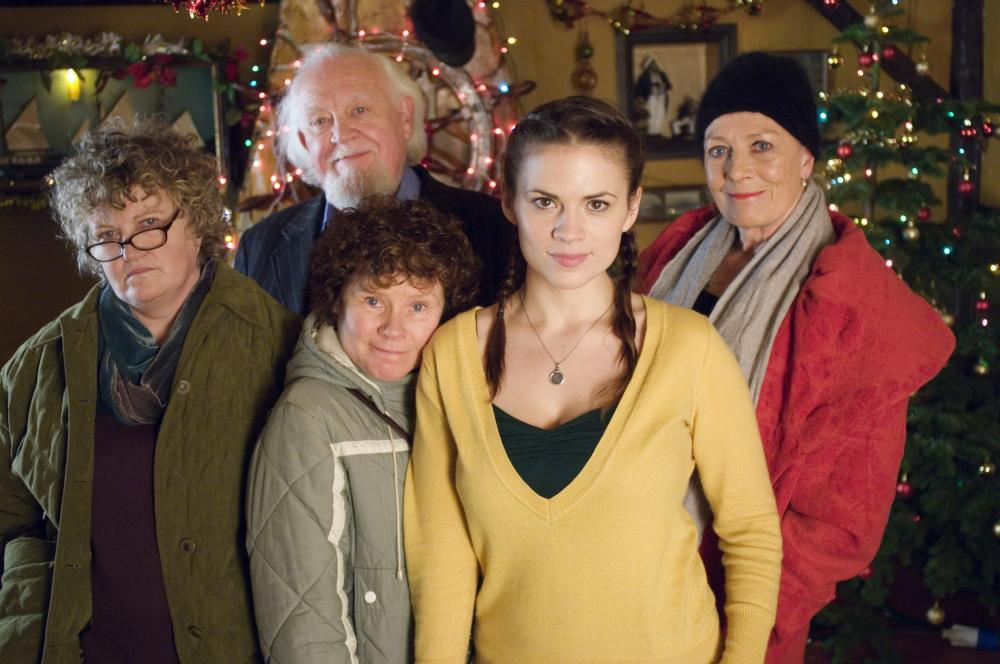 HOW ABOUT YOU, from left: Brenda Fricker, Joss Ackland (top), Imelda Staunton, Hayley Atwell, Vanessa Redgrave, 2007. ©Strand Releasing