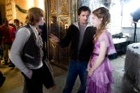 HARRY POTTER AND THE GOBLET OF FIRE, Rupert Grint, producer David Heyman, Emma Watson on set, 2005, (c) Warner Brothers