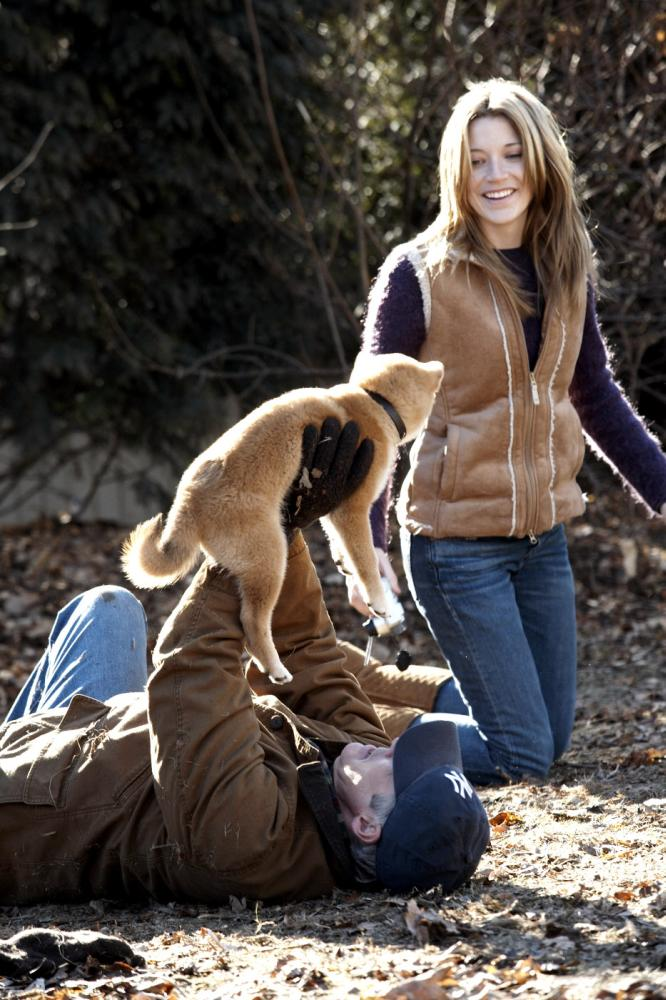 HACHIKO: A DOG'S STORY, from left: Richard Gere, Sarah Roemer, 2009. ©Consolidated Pictures Group