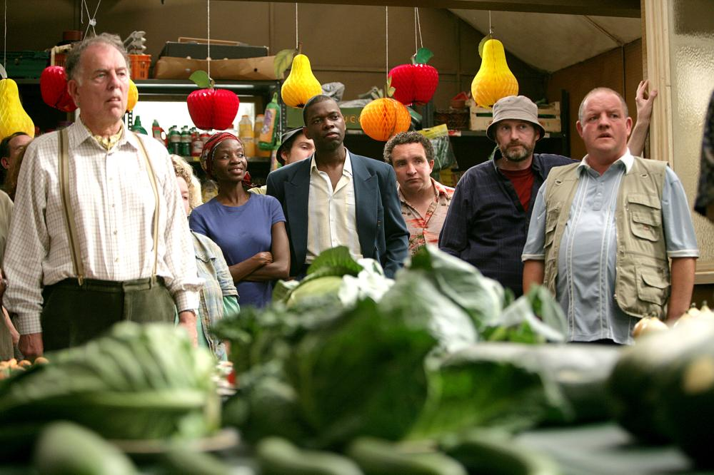 GROW YOUR OWN, Nathalie Armin (second from left), Victor Power (center, in suit jacket), Eddie Marsan (right of center), John Henshaw (right), 2007. ©Pathe Films