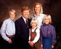 FOR THE BIBLE TELLS ME SO, Dick Gephardt (second from right), Jane Gephardt (top right), Chrissy Gephardt (right), 2007.
