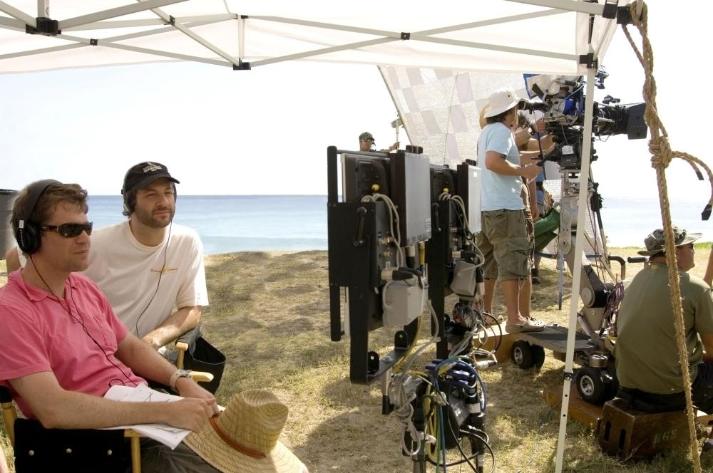 FORGETTING SARAH MARSHALL, from left: director Nicholas Stoller, producer Judd Apatow, on set, 2008. ©Universal