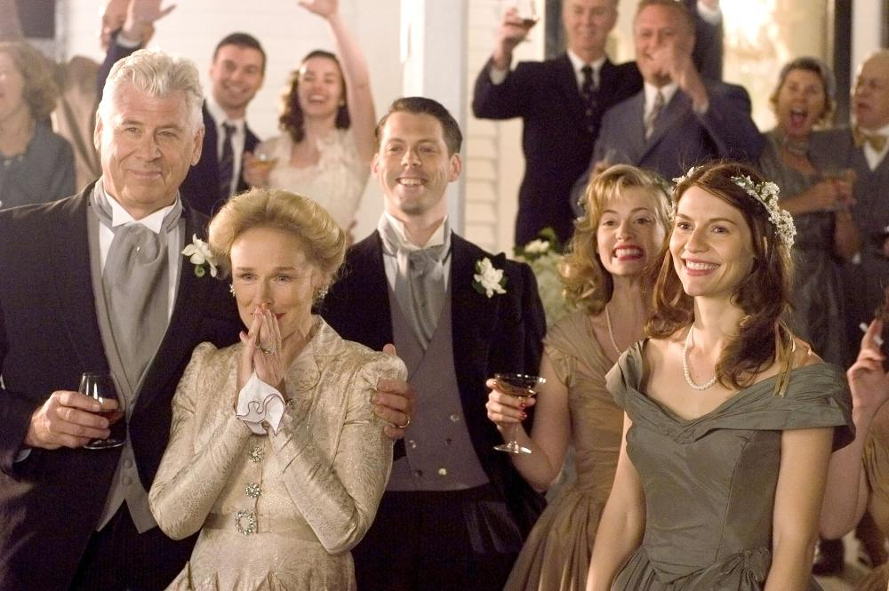 EVENING, Barry Bostwick (left), Glenn Close (second from left), Sarah Viccellio (second from right), Claire Danes (right), 2007. ©Focus Features