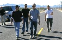 EIGHT LEGGED FREAKS, Producer Dean Devlin, director Ellory Elkayem, executive producer Roland Emmerich, executive producer Peter Winther on the set, 2002 (c) Warner Brothers.  .