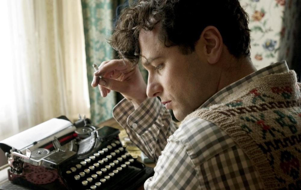 THE EDGE OF LOVE, Matthew Rhys as Dylan Thomas, 2008. ©Capitol Films