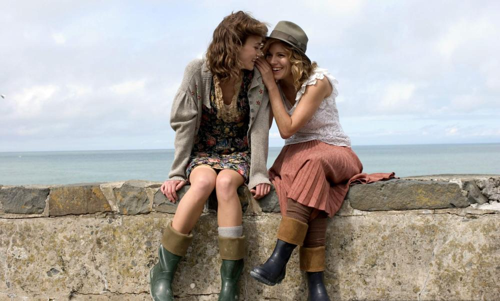 THE EDGE OF LOVE, from left: Keira Knightley, Sienna Miller, 2008. ©Capitol Films