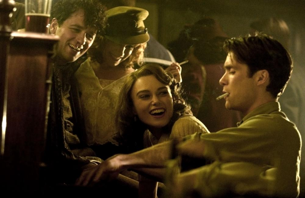 THE EDGE OF LOVE, foreground from left: Matthew Rhys as Dylan Thomas, Sienna Miller, Keira Knightley, Cillian Murphy, 2008. ©Capitol Films