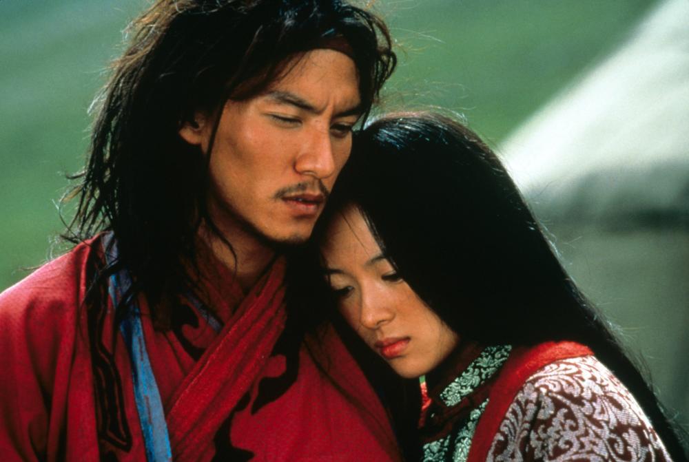 CROUCHING TIGER, HIDDEN DRAGON, (aka WO HU CANG LONG), from left: Zhang Ziyi, Chang Chen, 2000. ©Sony Pictures Classics