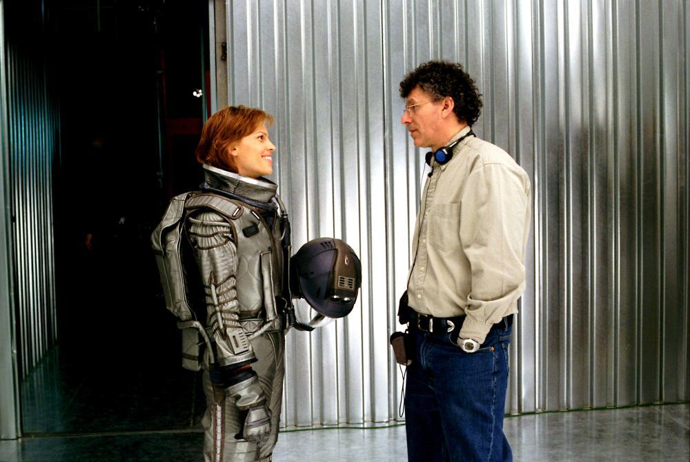 THE CORE, Hilary Swank, director Jon Amiel on the set, 2003. (c) Paramount