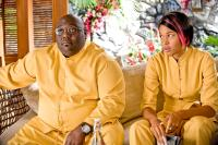 COUPLES RETREAT, from left: Faizon Love, Kali Hawk, 2009. ©Universal