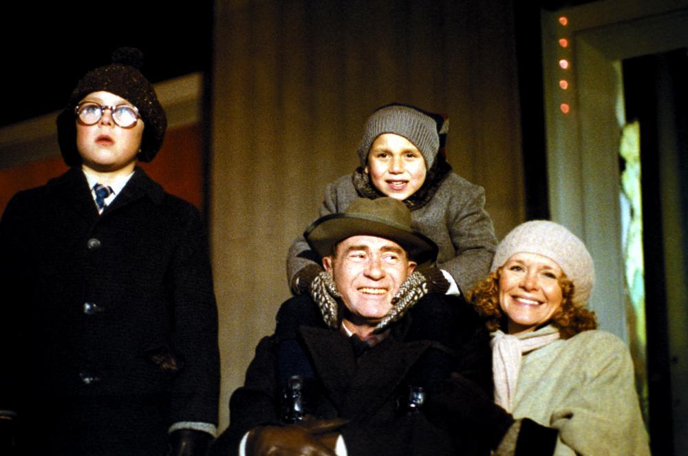 A CHRISTMAS STORY, Peter Billingsley, Ian Petrella, Darrin McGavin, Melinda Dillon, 1983, (c) MGM