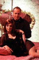 CECIL B. DEMENTED, Alicia Witt, director John Waters on set, 2000, (c) Artisan Entertainment