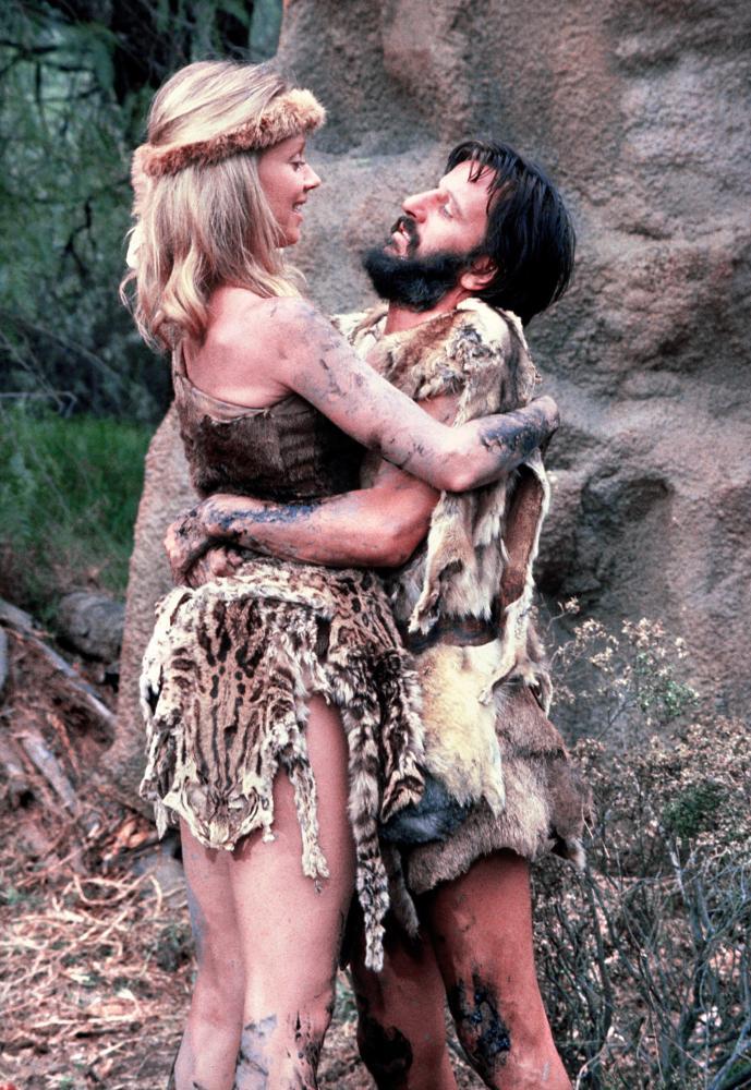 Caveman Wife : Cineplex caveman
