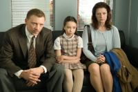 CASE 39, (aka FALL 39), from left: Callum Keith Rennie, Jodelle Ferland, Kerry O'Malley, 2009. Ph: Kimberly French/©Paramount
