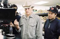 BROKEBACK MOUNTAIN, Heath Ledger, Director Ang Lee, on set, 2005, ©Focus Films
