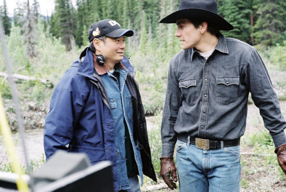 BROKEBACK MOUNTAIN, Director Ang Lee, Jake Gyllenhaal, on set, 2005, ©Focus Films