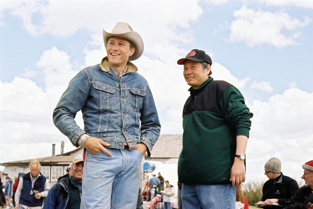 BROKEBACK MOUNTAIN, Heath Ledger, Director Ang Lee, on set, 2005, ©Focus Films