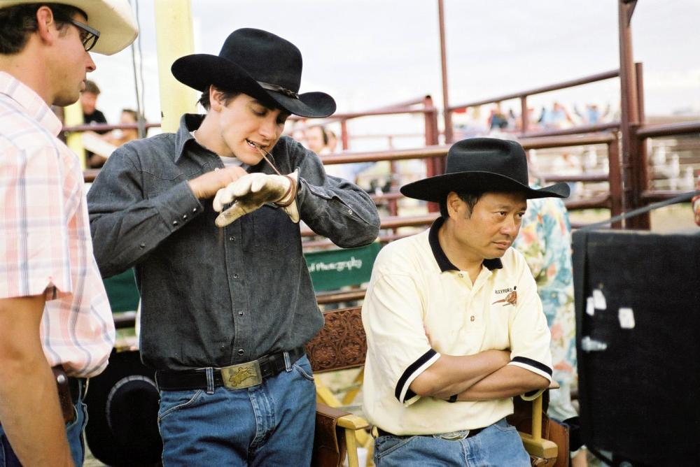 BROKEBACK MOUNTAIN, Jake Gyllenhaal, Director Ang Lee, on set, 2005, ©Focus Films