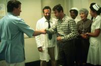 AWAKENINGS, Robin Williams (lab coat), Tobert De Niro (plaid shirt), Mary Alice (nurse), Ruth Nelson (green suit), Julie Kavner (nurse), 1990, (c) Columbia