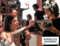 DESPERATELY SEEKING SUSAN, Rosanna Arquette, Laurie Metcalf, 1985. ©Orion Pictures