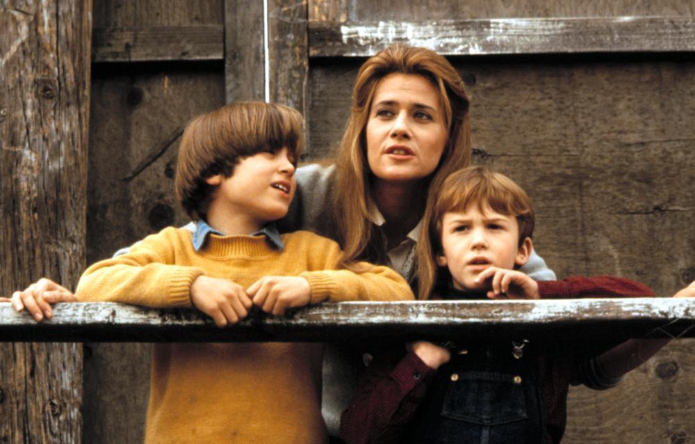 RADIO FLYER, Elijah Wood, Lorraine Bracco, Joseph Mazzello, 1992