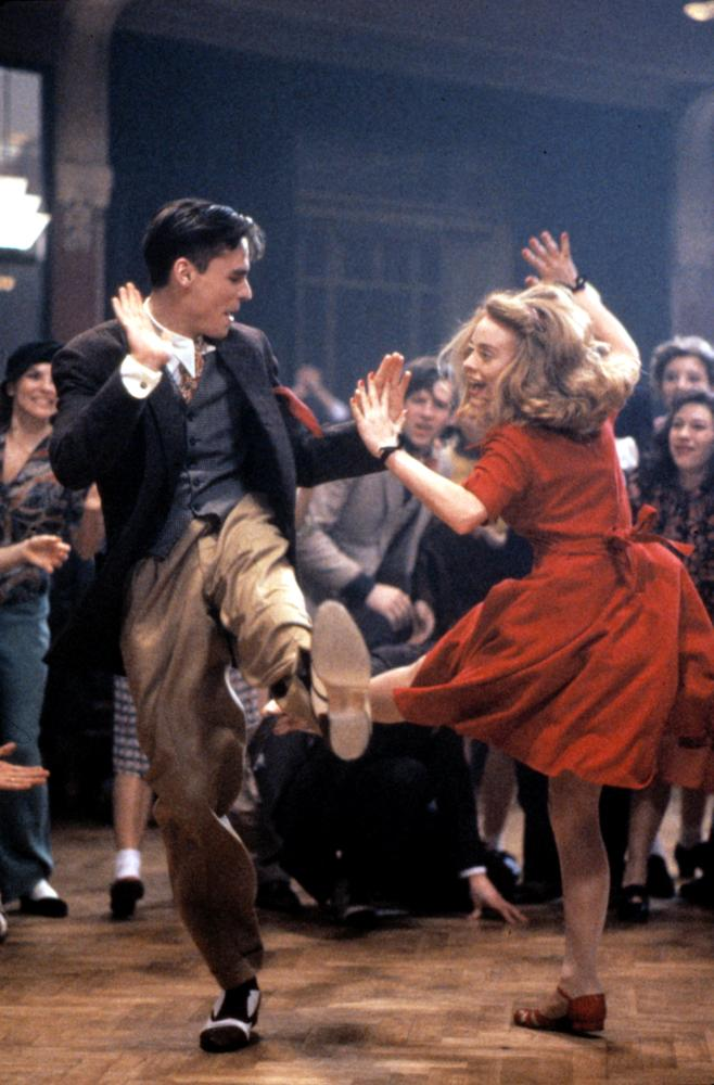 SWING KIDS, Robert Sean Leonard, Tushka Bergen, 1993