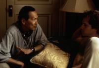 THE CENTER OF THE WORLD, director Wayne Wang, Peter Sarsgaard, on set, 2001. ©Artisan Entertainment