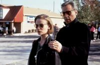 THE THING CALLED LOVE, Samantha Mathis, director Peter Bogdanovich on set, 1993, (c)Paramount