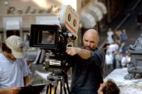 THE TALENTED MR. RIPLEY, director Anthony Minghella (center), on set, 1999. ©Paramount Pictures.