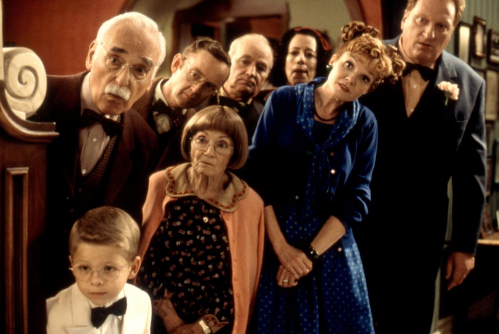 STUART LITTLE, (rear l-r): Harold Gould, Patrick O'Brien, Brian Doyle-Murray, Allyce Beasley, (front l-r): Jonathan Lipnicki, Estelle Getty, Connie Ray, Jeffrey Jones, 1999, (c)Columbia Pictures