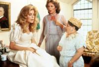 SIXTEEN CANDLES, Blanche Baker, Carlin Glynn, Zelda Rubinstein, 1984. (c)Universal Pictures.