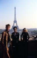 SID AND NANCY, Director Alex Cox, Gary Oldman, Chloe Webb on location in Paris, 1986