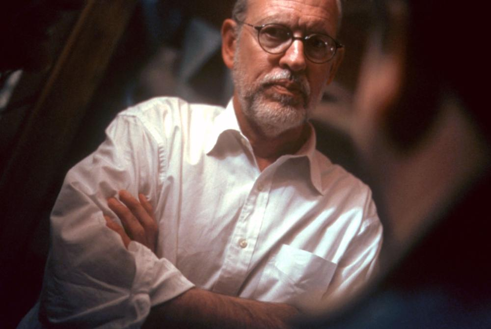 THE SCORE, director Frank Oz, on set, 2001. (c) Paramount