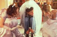 RUNAWAY BRIDE, Joan Cusack, Julia Roberts, Kathleen Marshall, 1999