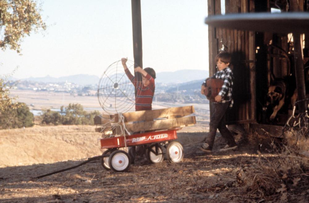 RADIO FLYER, Joseph Mazzello, Elijah Wood, 1992, (c)Columbia Pictures