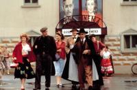 THE PLAYBOYS, Stella McCusker, Ian McElhinney, Anna Livia Ryan, Niall Buggy, Milo O'Shea, 1992, (c)Samuel Goldwyn Company