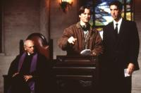 THE PALLBEARER, director Matt Reeves with David Schwimmer on set, 1996, (c)Miramax
