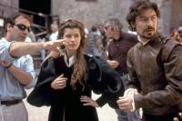 OTHELLO, director Oliver Parker, Irene Jacob, Nathaniel Parker, on set, 1995. ©Columbia Pictures