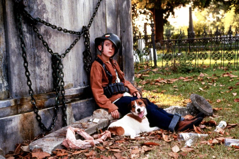 MY DOG SKIP, Frankie Muniz, 2000