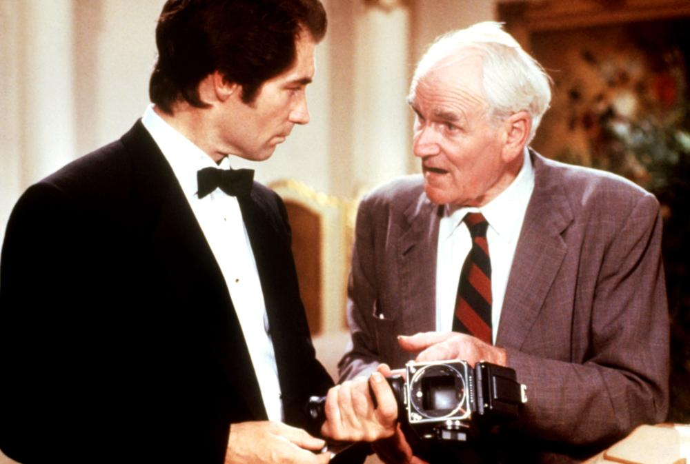 LICENCE TO KILL, Timothy Dalton, Desmond Llewelyn, 1989