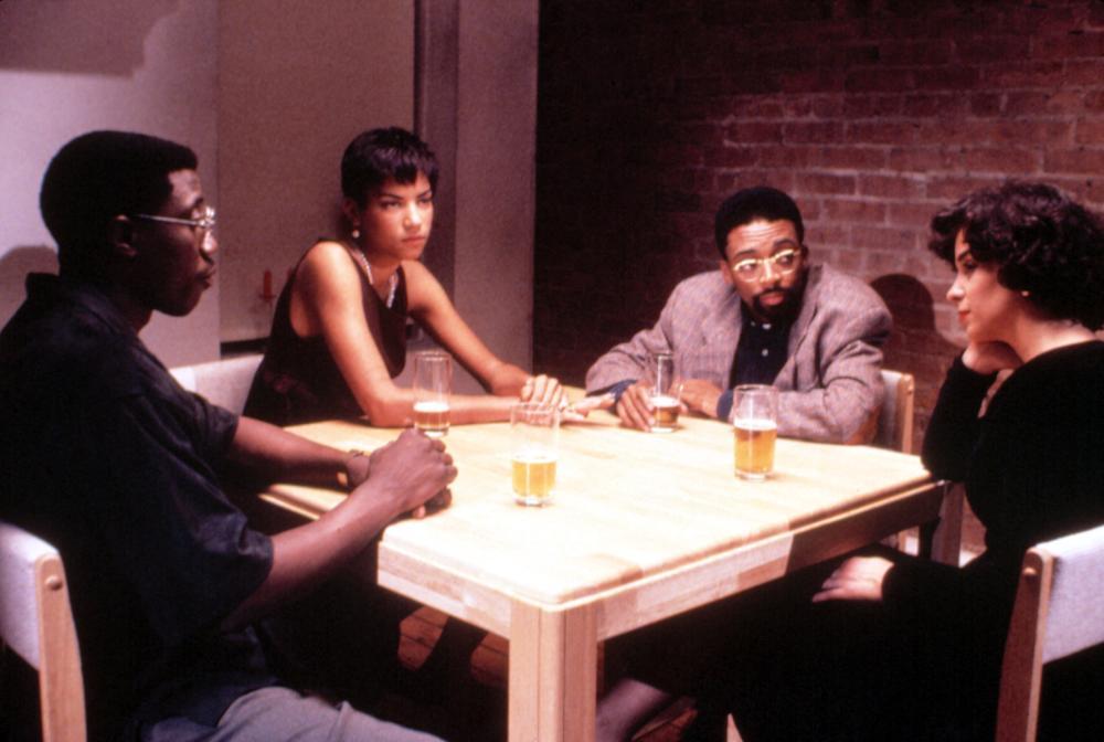 spike lee jungle fever Jungle fever est un film de spike lee synopsis : la difficile liaison d'un architecte d'origine africaine et de sa secrétaire d'origine italienne empois.