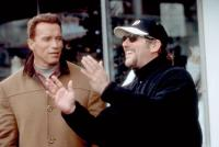 JINGLE ALL THE WAY, Arnold Schwarzenegger, director Brian Levant, on set, 1996. TM and Copyright ©20th Century Fox Film Corp. All rights reserved.