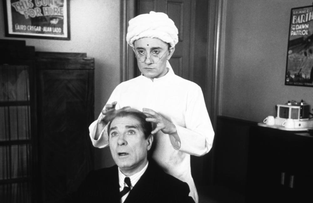 I HATE ACTORS, (aka JE HAIS LES ACTEURS), Jean Poiret (front), Michel Blanc, 1986, © Galazy International