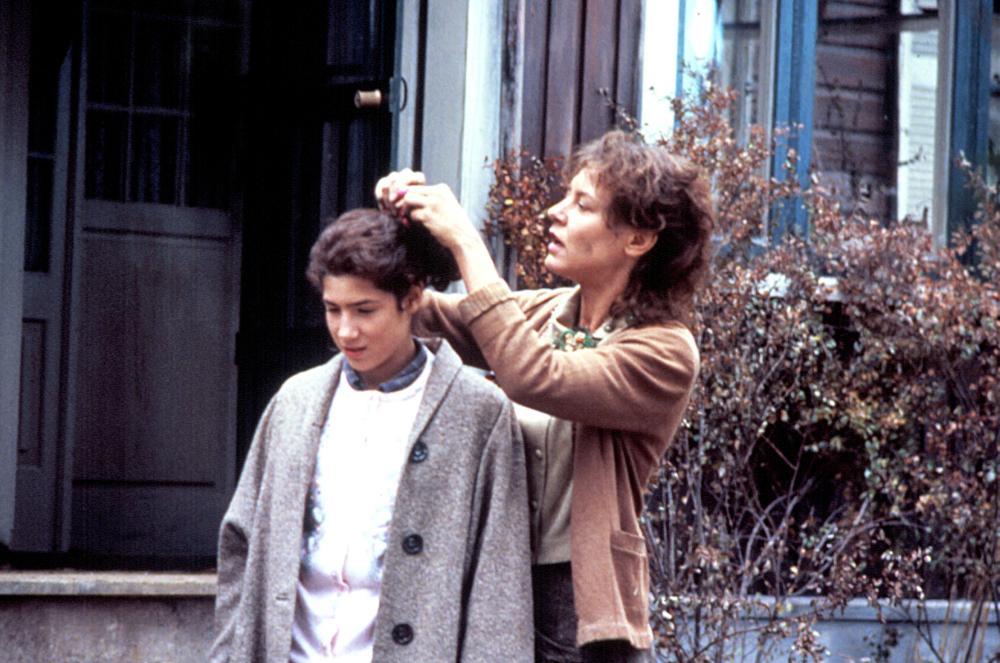 HOUSEKEEPING, Sara Walker, Christine Lahti, 1987