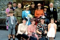 HOPE AND GLORY, Susan Wooldridge, Derrick O'Connor, David Hayman, Sammi Davis, Jean-Marc Barr, Sarah Miles, Annie Leon, Ian Bannen, (bottom, l to r): Sebastian Rice-Edwards, Katrine Boorman, Amelda Brown, Jill Baker, & Geraldine Muir, 1987.