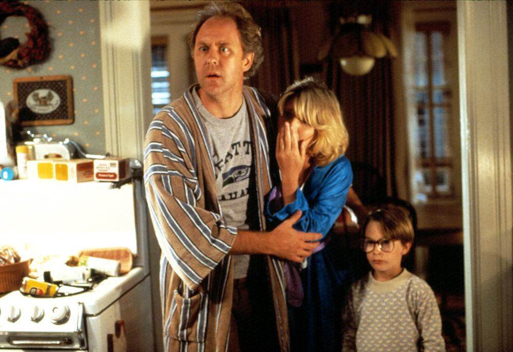 HARRY AND THE HENDERSONS, John Lithgow, Melinda Dillon, Joshua Rudoy, 1987