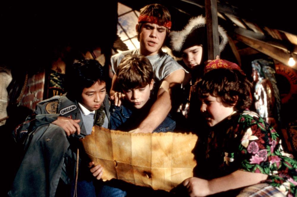 THE GOONIES, Ke Huy Quan (aka Jonathan Ke Quan), Sean Astin, Josh Brolin, Corey Feldman, Jeff Cohen, 1985, (c)Warner Bros.